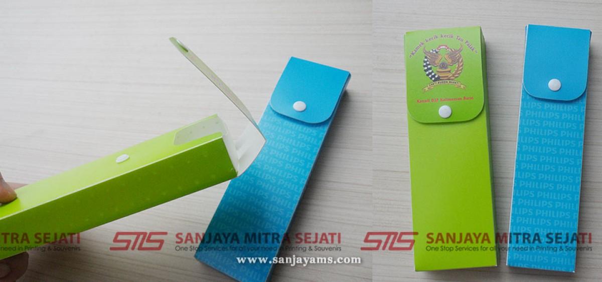 Contoh kotak pensil bahan plastik