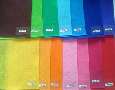 Pilihan warna bahan tas spunbond