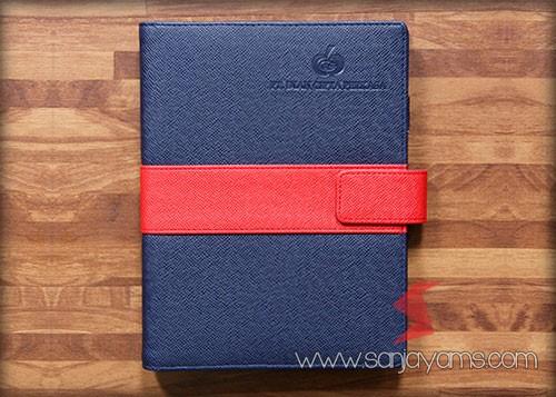 Agenda kulit bahan biru dongker kombinasi list merah