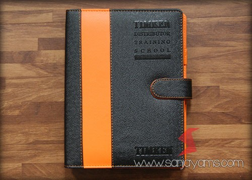 Agenda kulit kombinasi hitam dan orange