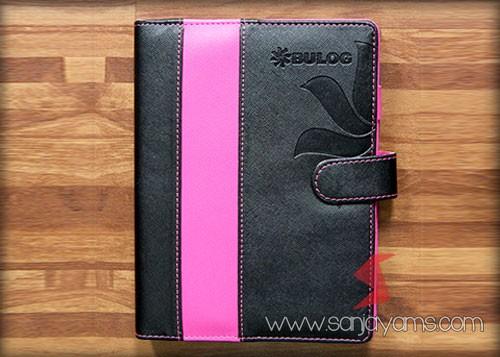 Agenda kulit warna hitam kombinasi pink