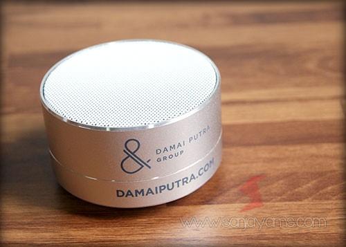 Hasil cetakan logo perusahaan di bluetooth speaker - Damai Putra