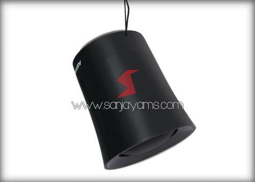 Bluetooth speaker memiliki aksesoris gantungan
