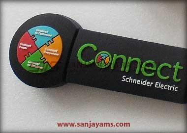 Detail USB Karet Schneider