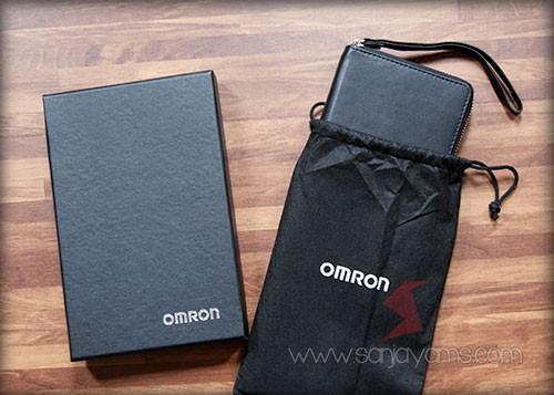 Dompet Travel dengan cetakan logo OMRON