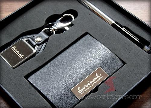 Gift set dengan cetakan logo Sarinah
