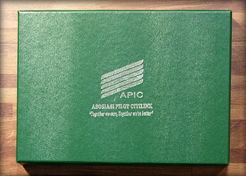 Box gift set dengan cetakan Poly Silver
