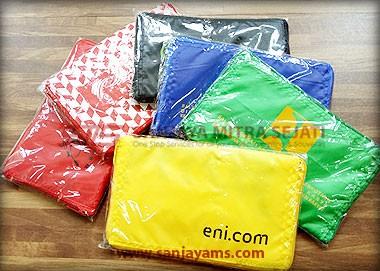 Warna-warna tas model dompet