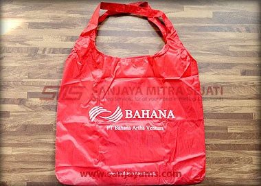 goodie bag merah