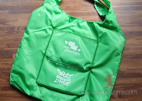 Belakang Goodie Bag dompet