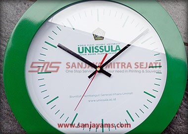 List jam warna hijau