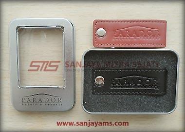 Packaging USB Kunci Kulit Putar