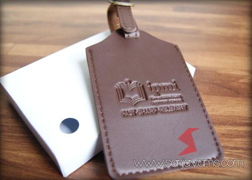 Luggage Tag bahan kulit cokelat