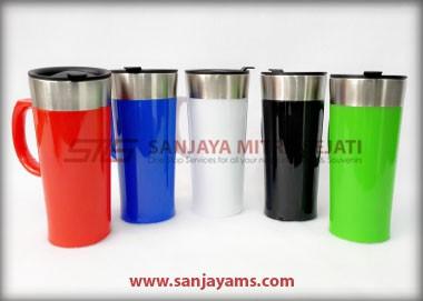 Beberapa pilihan warna mug caring