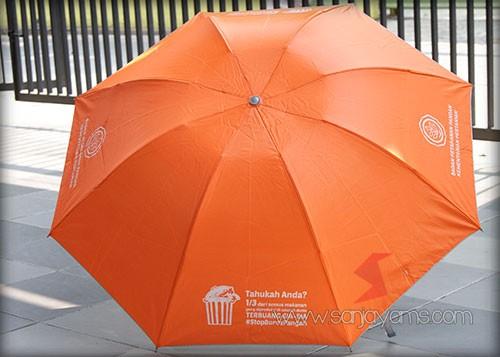 Payung warna oranye