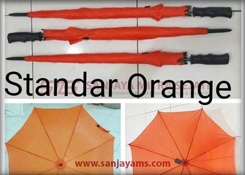 payung warna orange