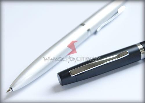 Detail bagian atas pen