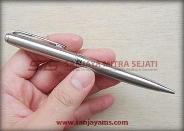 Pen besi warna silver