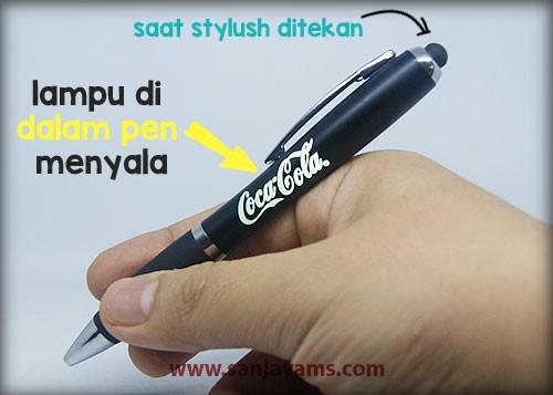 Hasil cetak logo coca-cola pada pen
