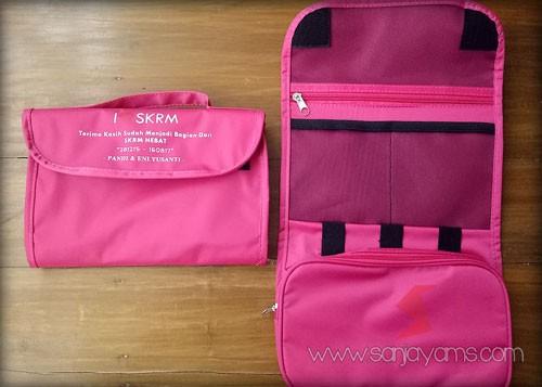 Pouch gadget berwarna pink