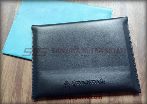 Warna pouch kulit bisa di custom