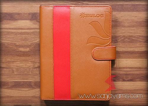 Agenda kulit Bulog kombinasi cokelat dan merah