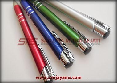 Tampak ujung pulpen
