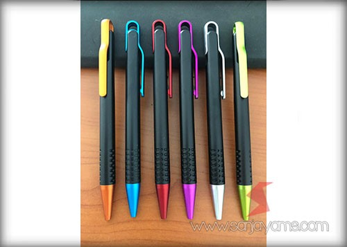 beberapa pilihan warna pen