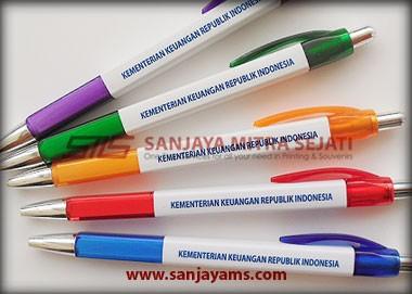 Contoh cetakan di badan pulpen