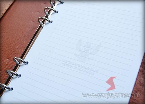 Cetakan kertas di dalam agenda