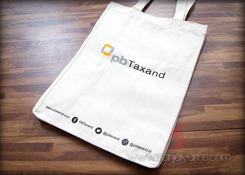 Tas kanvas dengan cetakan logo PB Taxand