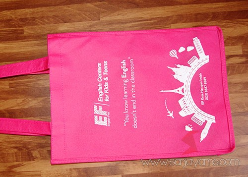 tas warna pink