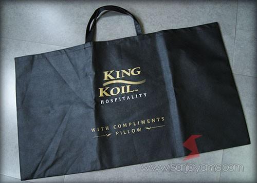 Tas  Spunbond Ukuran Jumbo dengan cetakan Logo King Koil