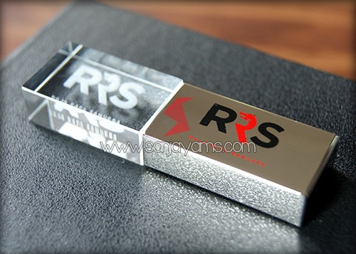 Contoh cetakan 2 warna pada besi USB