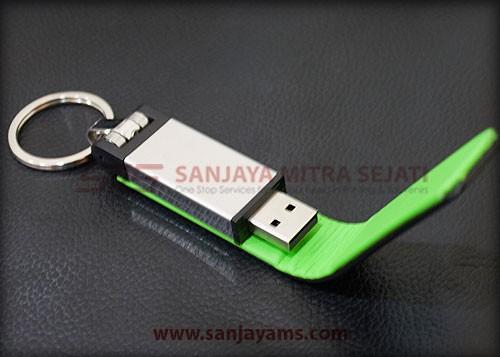 USB kulit hitam kombinasi hijau di bagian dalam