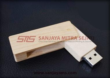 USB Kayu Putar