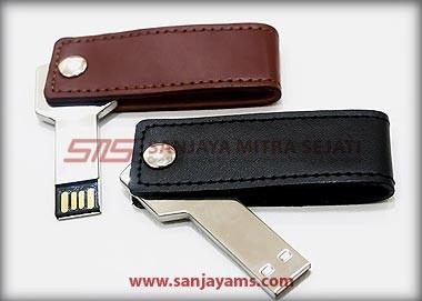 USB Kunci + Kulit Putar