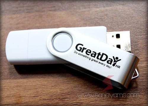 Hasil cetakan 1 warna logo perusahaan di USB