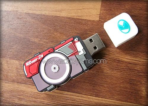 USB Rubber model Kamera tampak terbuka