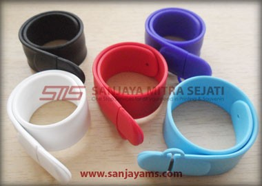 USB Gelang Slap On