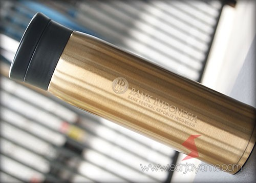 Thermos dengan cetakan bank indonesia berwarna emas