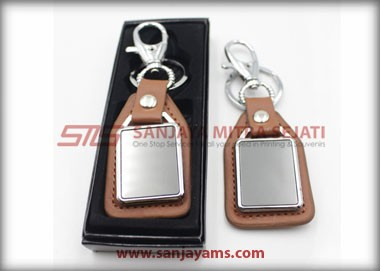Gantungan Kunci warna Cokelat