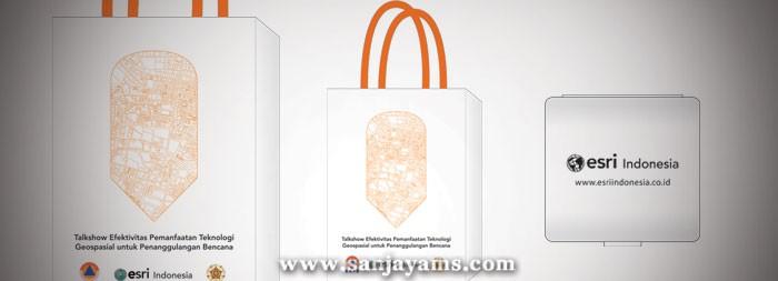 Goodie Bag dan Adaptor PT Esri