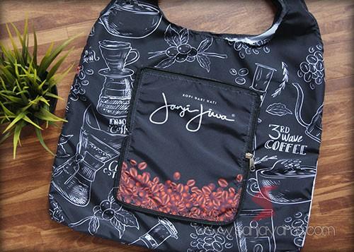 Detail goodie bag setelah di buka
