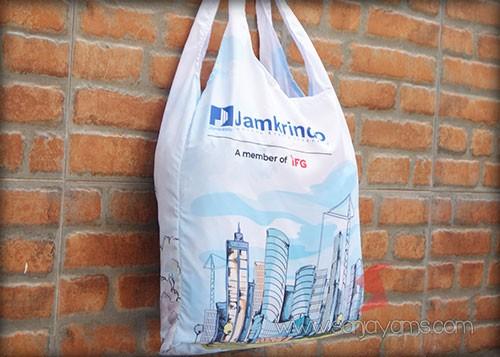 Goodie bag memiliki kapasitas yang cukup luas