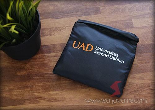 Tas dompet - UAD