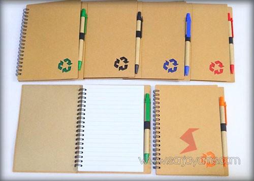 Tampilan memo dengan beberapa pilihan warna