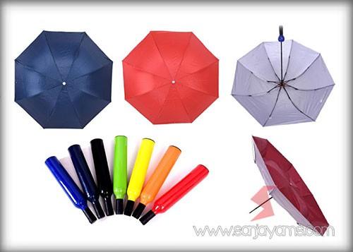 Tampilan payung dengan beberapa warna