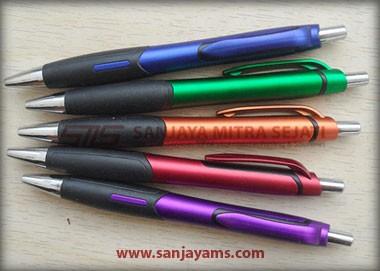 Tersedia 5 pilihan warna