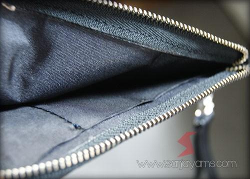 Bagian dalam pouch